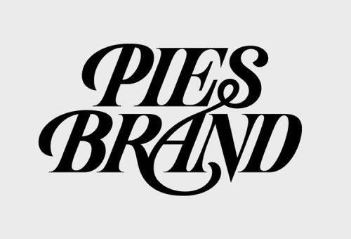 Sử dụng phông chữ đậm trong thiết kế thương hiệu.