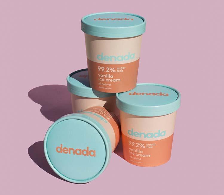 Vẻ ngoài không thể cưỡng lại được của kem không đường Denada nhờ vào ứng dụng khéo léo màu sắc san hô trong thiết kế bao bì.