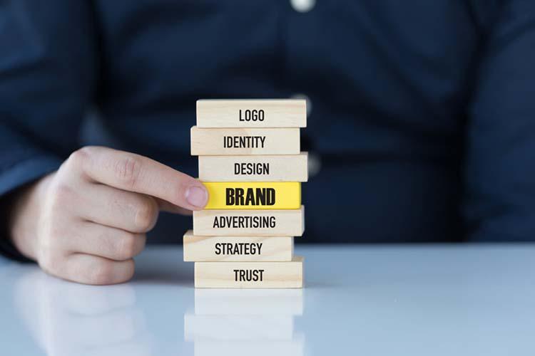 Xây dựng thương hiệu thông qua tiếp thị.