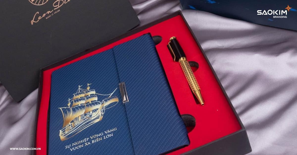 Checklist qùa tặng thương hiệu: Thiết kế thương hiệu, in logo trên quà tặng