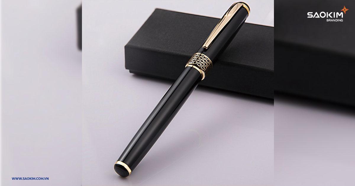 Bút ký là món quà tặng sang trọng thể hiện sự tôn trọng và ngưỡng mộ của người tặng có thể tặng vào rất nhiều dịp (không chỉ riêng dịp Tết)