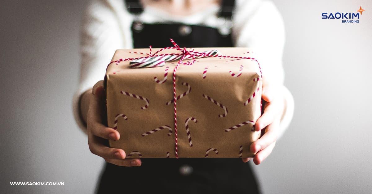 Tặng quà nhân viên cần lưu ý gì?