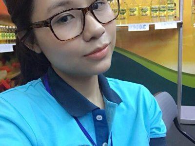 Bà Phạm Hồng Anh