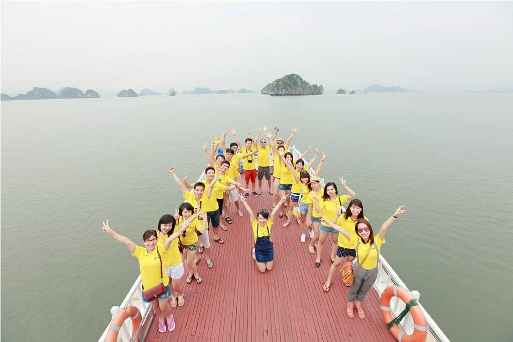 Kỳ nghỉ hè thú vị trên vịnh Bái tử Long - ảnh từ SaoKim Branding