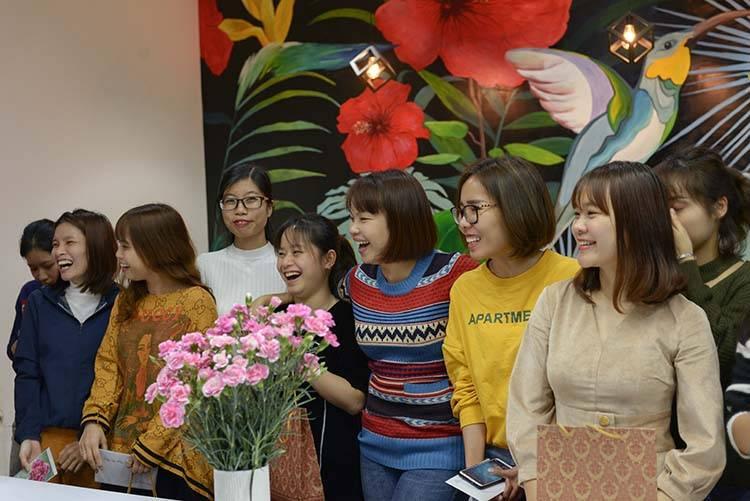 Sao Kim háo hức chào mừng ngày quốc tế phụ nữ.