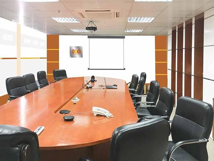 Trang trí phòng họp chuẩn nhận diện thương hiệu của TCE.